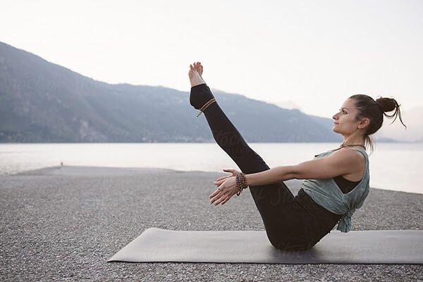 yoga giảm mỡ bắp tay